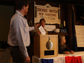 Luke Tracy '18: Hillary Clinton captures Dixville Notch Vote